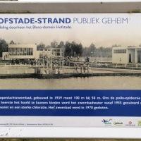 De ruïne van het openluchtzwembad in Hofstade